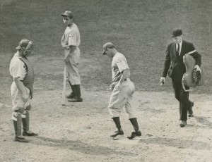 Mel Ott crosses home plate after hitting his 24th home run of the season in 1939.