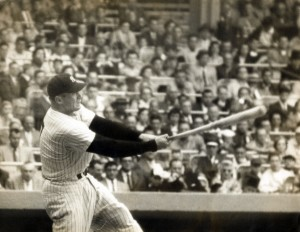 A hit by Mickey Mantle in the top of the ninth inning cut the Pirates' lead to one.